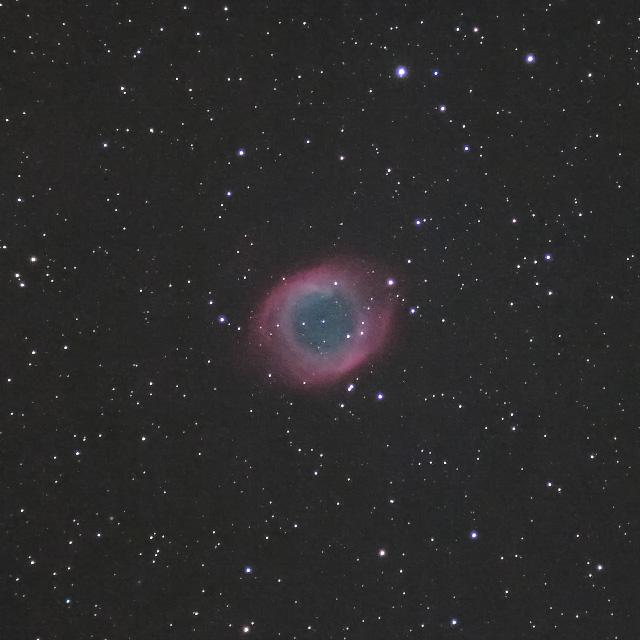みずがめ座のらせん状星雲(NGC7293)