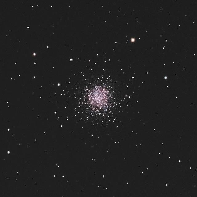NGC288(ちょうこくしつ座の球状星団)